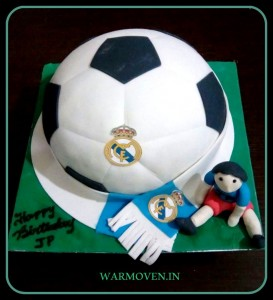 Football with team scarf cake