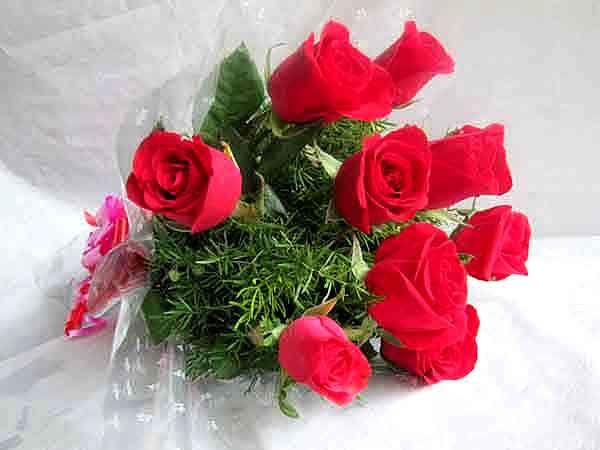 10 Rose Bouquet