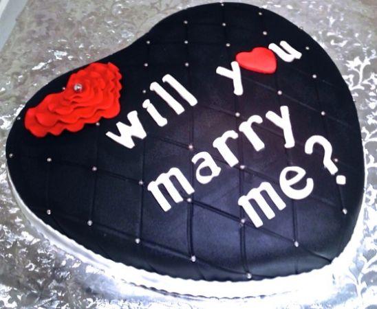 Propose Valentine Cake