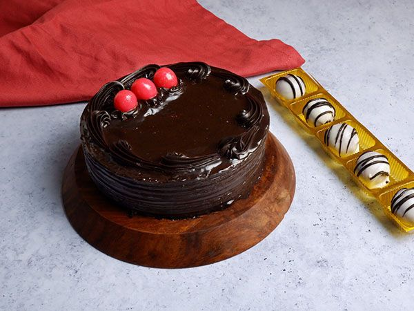 Buy Chocolate Truffle Cake | Get Red Velvet Shots Free
