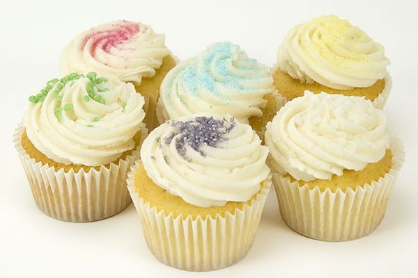 Special Vanilla Cupcakes - Pack of 6