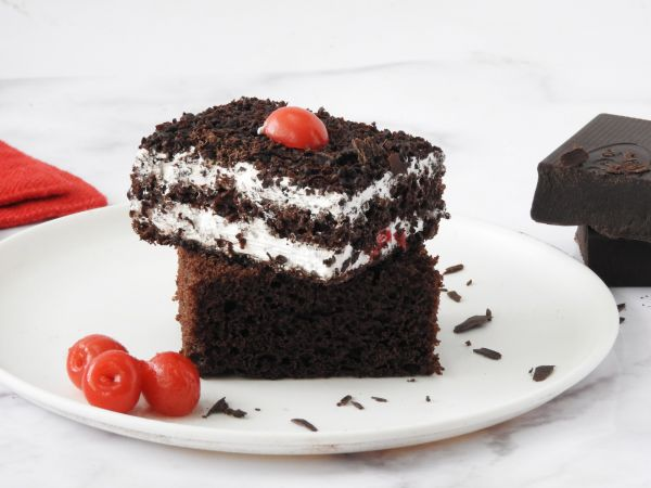 Classic Black Forest Pastry Pack of 6