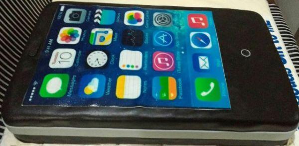 Smartphone Cake
