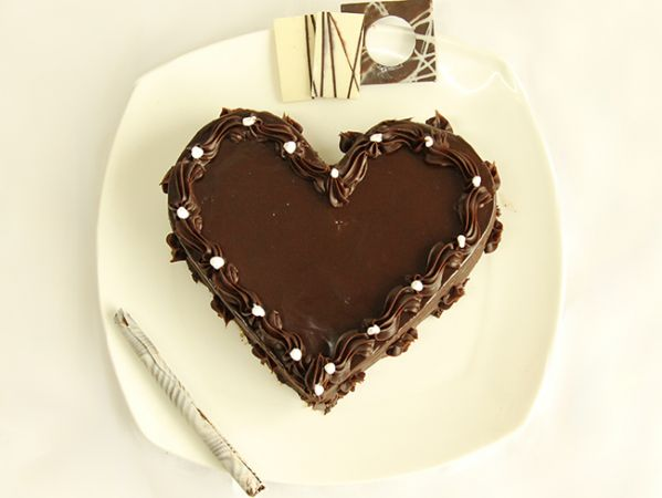 Valentine Chocolate Heart Cake