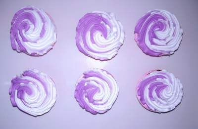 Women's Day Purple Cupcakes
