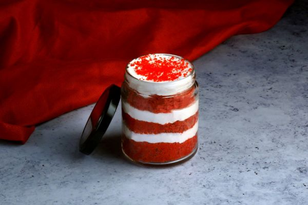 Red Velvet Jar Cake Pack of 4 - Customizable